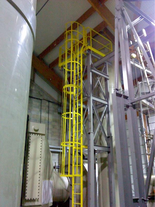 Montbard usine chimique charpente passerelles