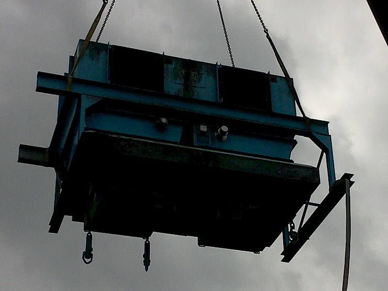 AB Service chantier Euralis 2012 - levage égrenoirs avec grue 250 Tonnes