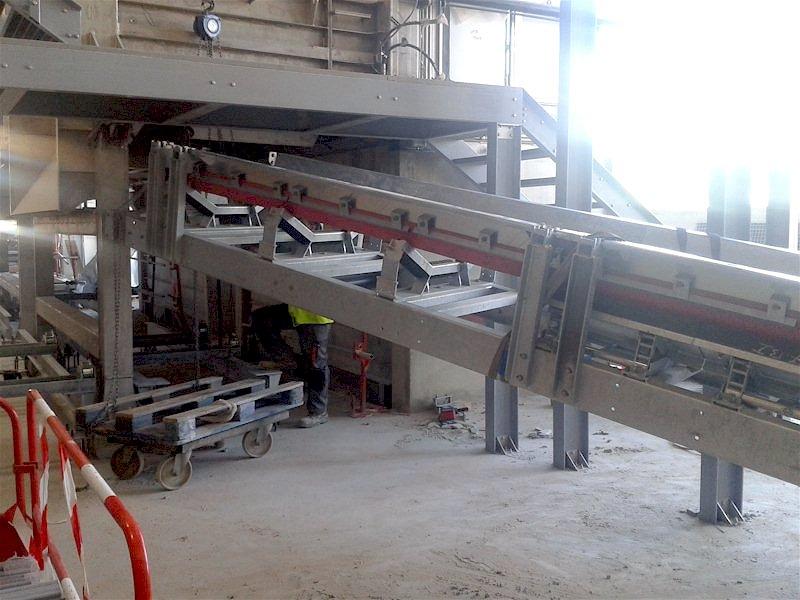 Convoyeurs et sauterelles pour le SIAAP Syndicat Interdépartemental pour l'Assainissement de l'Agglomération Parisienne par AB Service